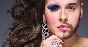 """Immagine del fotografo newyorkese  LELAND BOBBE' che si concentra sulla figura della Drag Queen, termine che significa """"portare abiti caratteristici del sesso opposto""""  nella categoria di attori/attrici cantanti transgender o gay. Immagine tratta dal sito pescaralovesfashion.com"""
