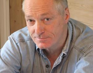 Nella foto: Terence Blacker (nato il 5 Febbraio 1948 vicino Hadleigh, Suffolk), scrittore e giornalista inglese. Immagine tratta da Wikipedia, enciclopedia libera.