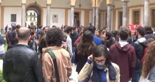 un momento della protesta a Giurisprudenza