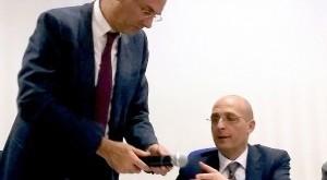 il presidente dell'Ersu Alberto Firenze (seduto), insieme al rettore Fabrizio Micari, durante un incontro con gli studenti