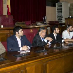 Leoluca Orlando e gli amministratori del Sism Palermo al tavolo della Stanza delle Lapidi. Foto di Giuseppe Mavaro