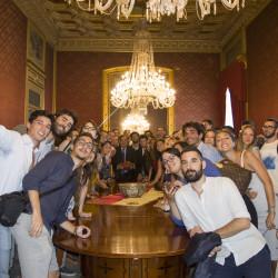 Leoluca Orlando con i tirocinanti e i ragazzi del Sism Palermo