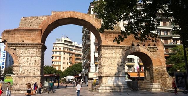 Arco di Kamara Salonicco meta dei giovani