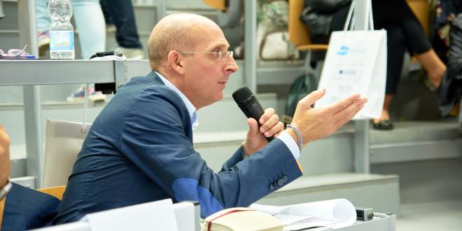 Il presidente dell'Ersu, Alberto Firenze, ha firmato in questi giorni mandati per 7,1 milioni di euro per borse di studio