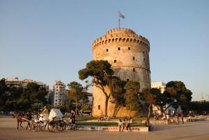 La White Tower, gioiello di epoca bizantina antistante il locale porto cittadino