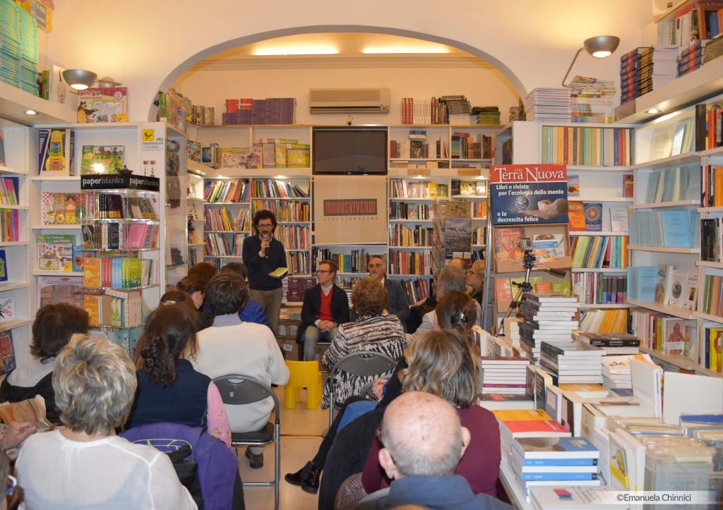 """Andrea Vito, classe 1993, giovane studente del corso di laurea magistrale in Scienze filosofiche dell'Università degli Studi di Palermo, pubblica il suo ultimo libro """"Racconti""""."""