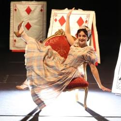 thumbnail_alice-nel-teatro-delle-meraviglie_ajelli