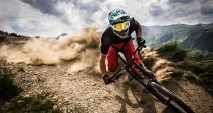 Downhill:Un Brivido Lungo Due Chilometri