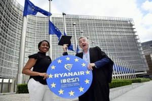 Safi Sabuni of International Erasmus Student Network and Ryanair CEO Michael O'Leary pictured during a press conference of Irish low-cost airline Ryanair, Tuesday 23 May 2017 in Brussels. BELGA PHOTO ERIC LALMAND