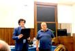 Il prof. Giuseppe Crescimanno consegna una targa al Prof. Zummo da parte dei docenti