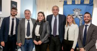 Nella foto alcuni dei principali protagonisti della Prima giornata del diritto allo studio universitario in Sicilia: il C. di A. Ersu Palermo, insieme all'assessore regionale dell'istruzione Roberto Lagalla.