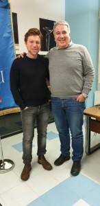 da sinistra Claudio Gioè e Giuseppe Di Miceli con lo stendardo ERSU