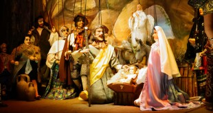 """Una scena de """"La Natività di Gesù bambino"""", Compagnia Marionettistica Fratelli Napoli di Catania"""